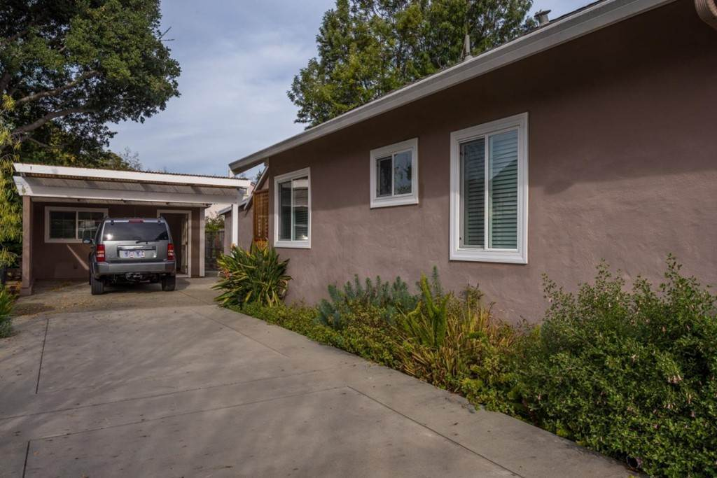 12. Residential Lease at 1324 Edgehill Drive Burlingame, California 94010 United States