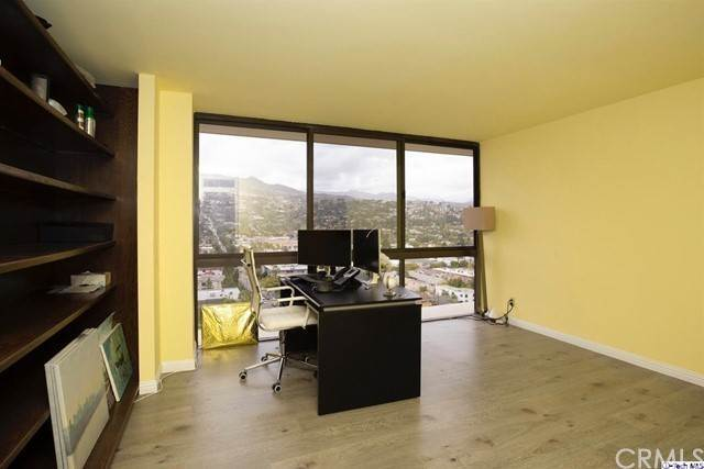 18. Residential Lease at 222 Monterey Road 1406 Glendale, California 91206 United States