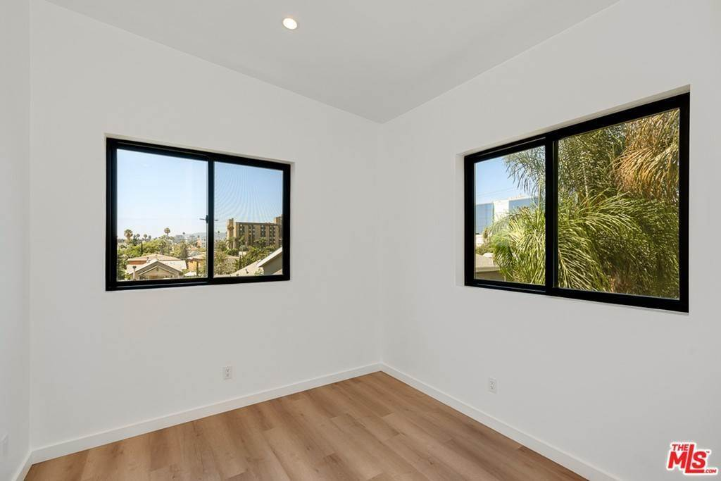 10. Residential Lease at 1339 N Kenmore Avenue Los Angeles, California 90027 United States