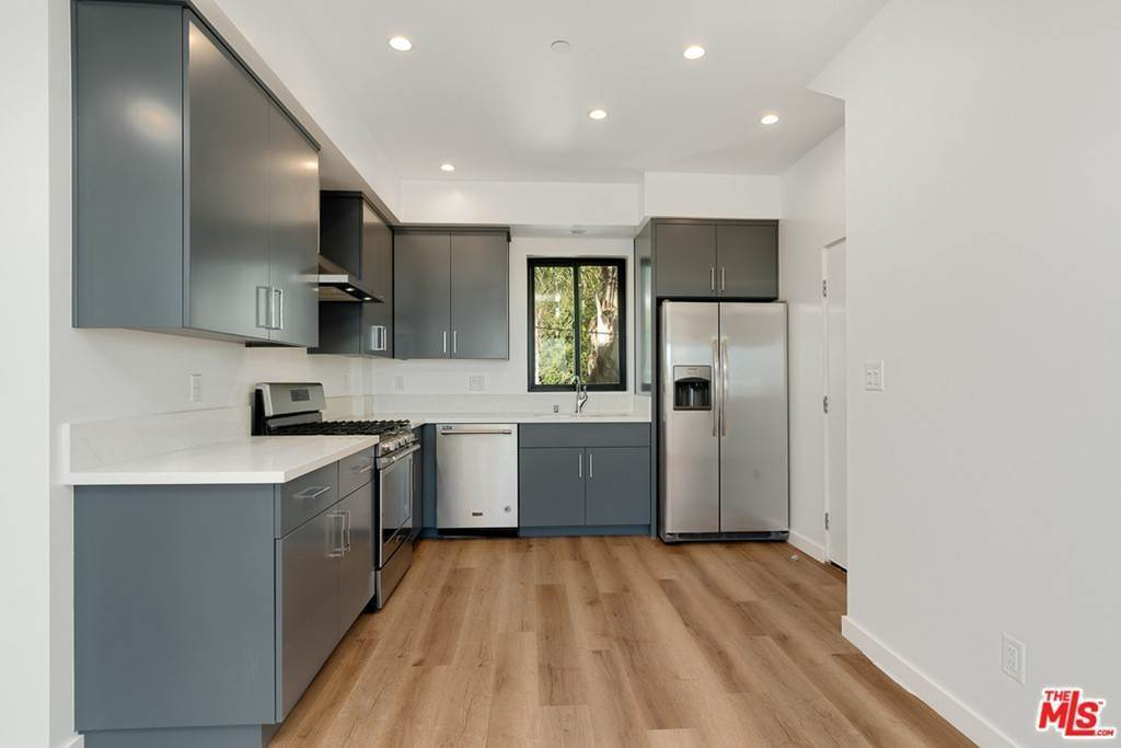 4. Residential Lease at 1339 N Kenmore Avenue Los Angeles, California 90027 United States