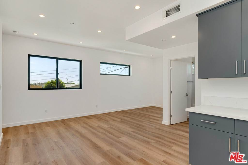 5. Residential Lease at 1339 N Kenmore Avenue Los Angeles, California 90027 United States