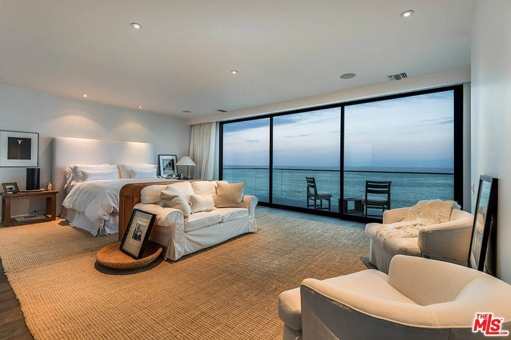 17. Residential Lease at 26944 Malibu Cove Colony Drive Malibu, California 90265 United States