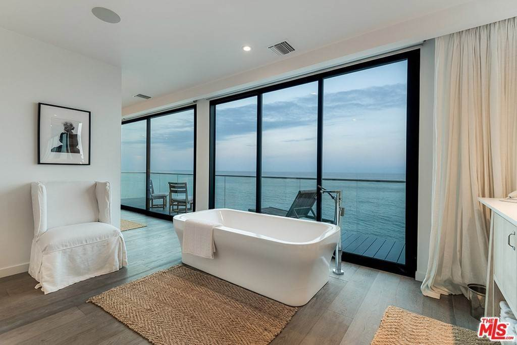 19. Residential Lease at 26944 Malibu Cove Colony Drive Malibu, California 90265 United States