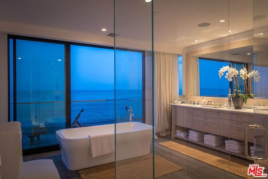 20. Residential Lease at 26944 Malibu Cove Colony Drive Malibu, California 90265 United States