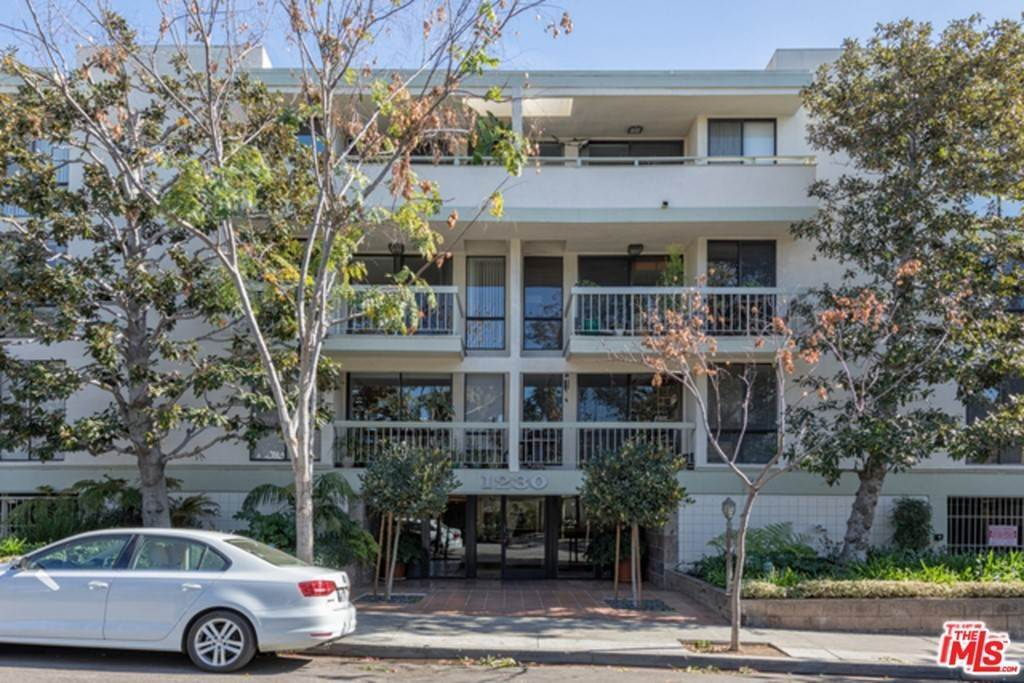 Residential Lease at 1230 N Sweetzer Avenue 115 West Hollywood, California 90069 United States