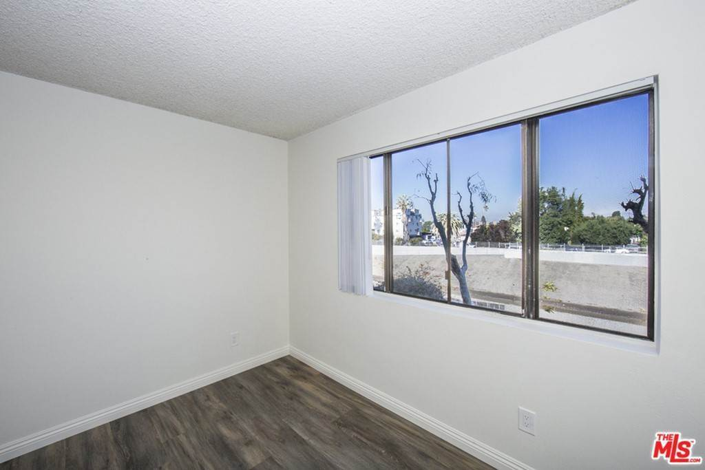 12. Residential Lease at 5000 S CENTINELA Avenue 129 Los Angeles, California 90066 United States