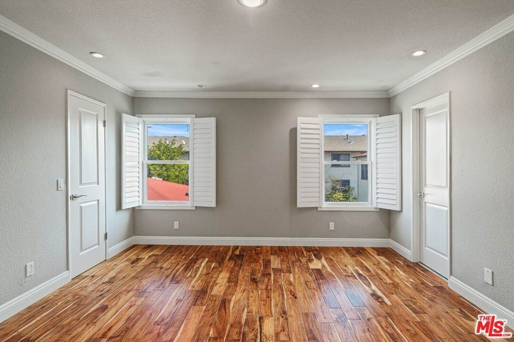 20. Residential Lease at 2022 Delaware Avenue 4 Santa Monica, California 90404 United States