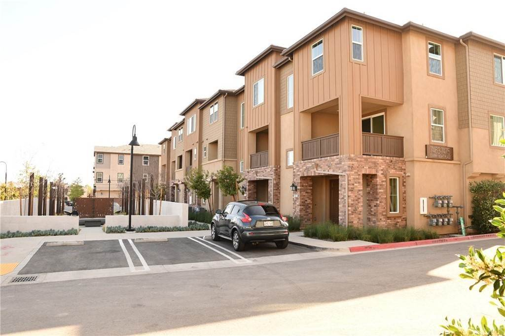 townhouses at 7463 Starry Night Rancho Cucamonga, California 91739 United States