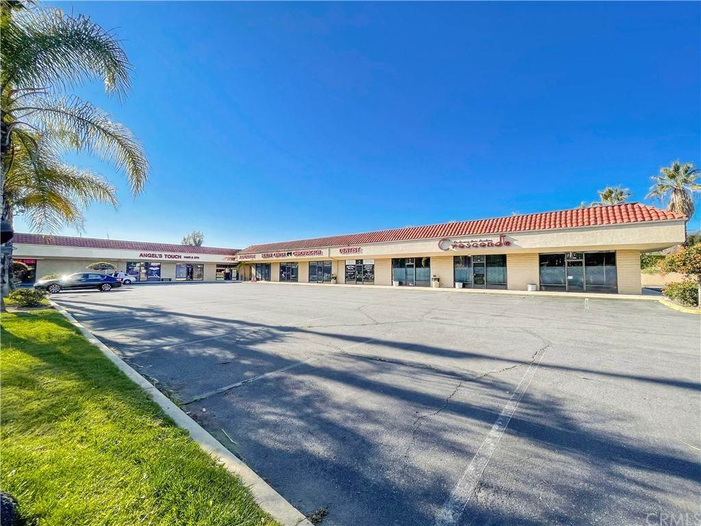 Commercial for Sale at 1433 East Route 66 Glendora, California 91740 United States