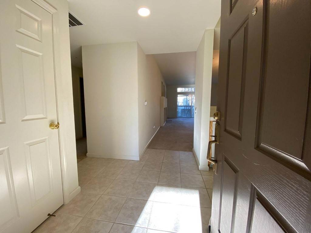 Apartments at 524 Swallowtail Court Brisbane, California 94005 United States