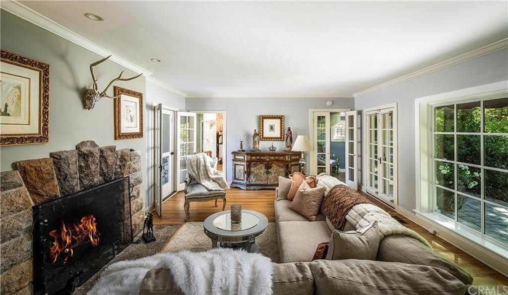 Residential for Sale at 765 Shelter Cove Drive Lake Arrowhead, California 92352 United States