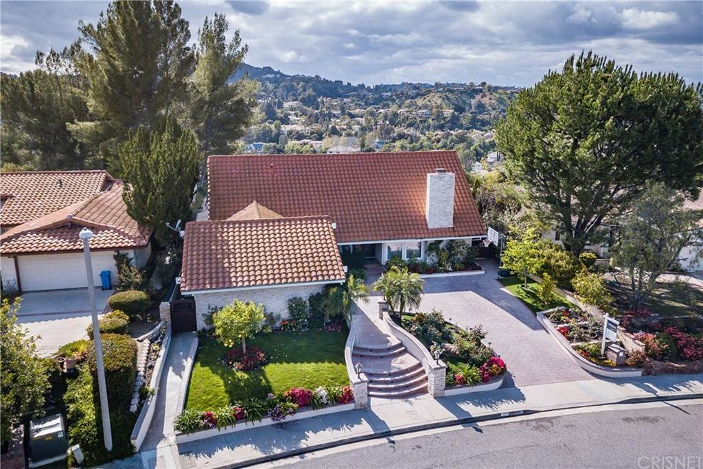 Residential Lease at 4275 Towhee Drive Calabasas, California 91302 United States