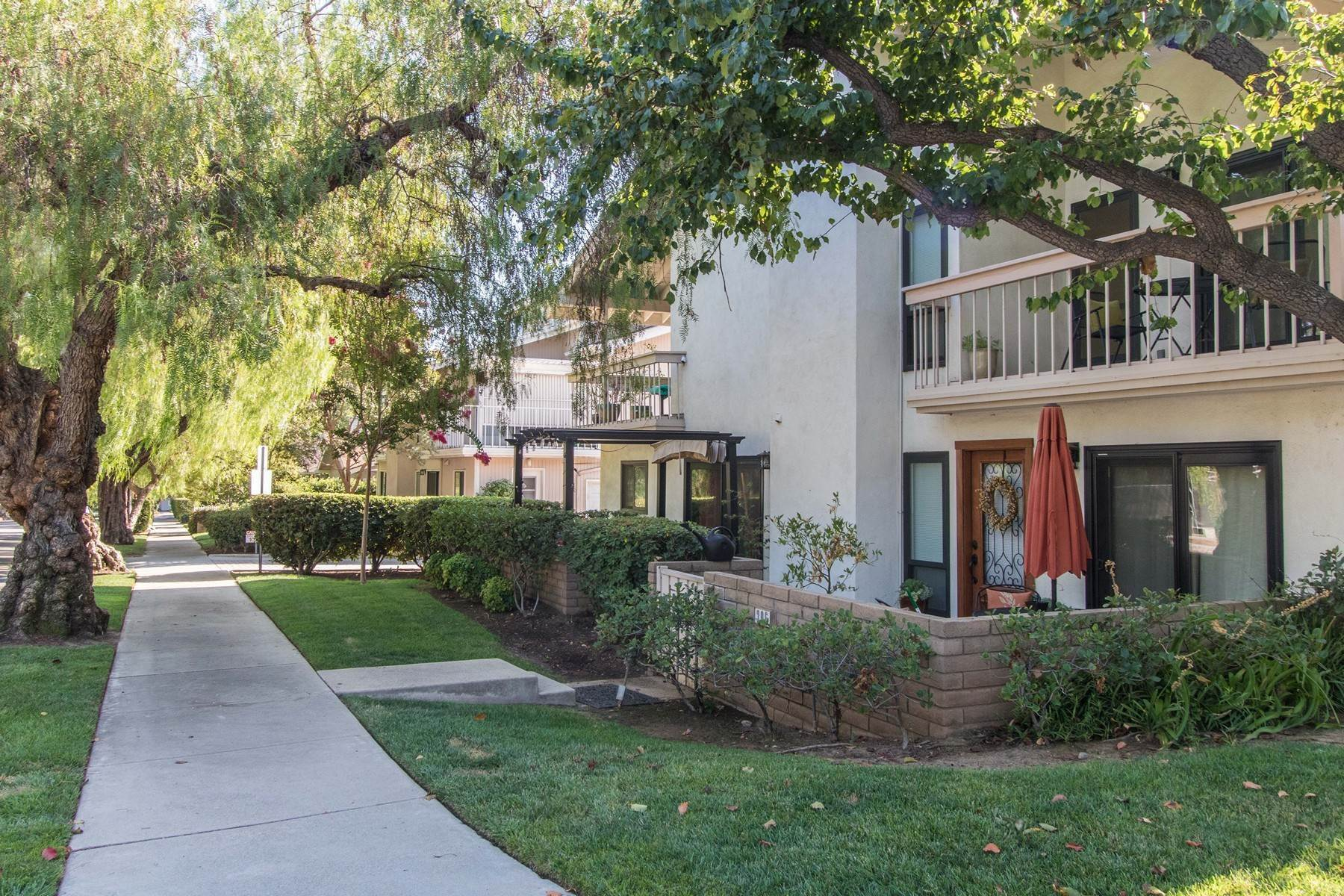 townhouses for Sale at 340 Claremont 7th Street, Claremont, CA 91711 340 W. 7th Street Claremont, California 91711 United States