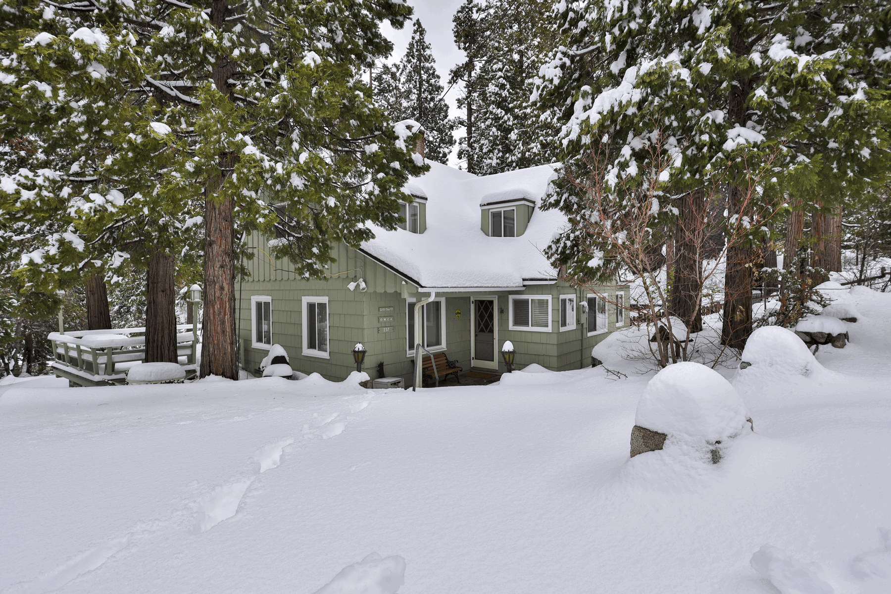 Single Family Homes for Sale at 237 Blue Lake Road Lake Arrowhead, California 92352 United States
