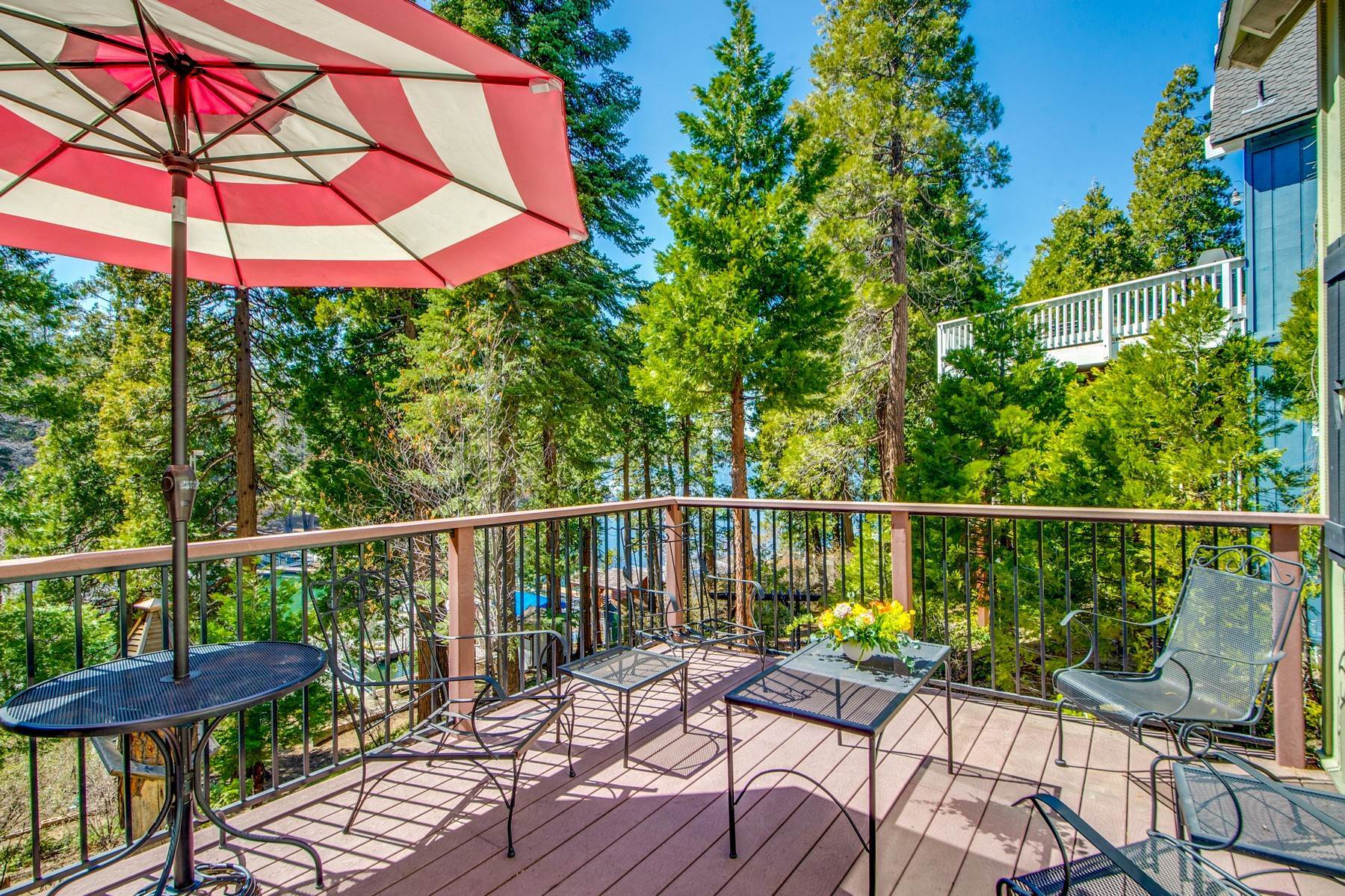 12. Single Family Homes for Sale at 142 John Muir Rd Lake Arrowhead, California 92352 United States