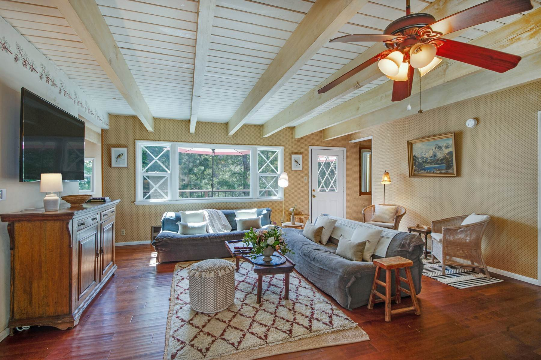 3. Single Family Homes for Sale at 142 John Muir Rd Lake Arrowhead, California 92352 United States