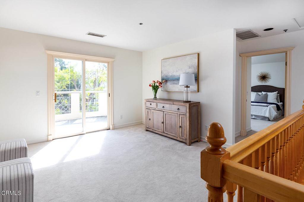 19. Residential for Sale at 866 Flores De Oro South Pasadena, California 91030 United States