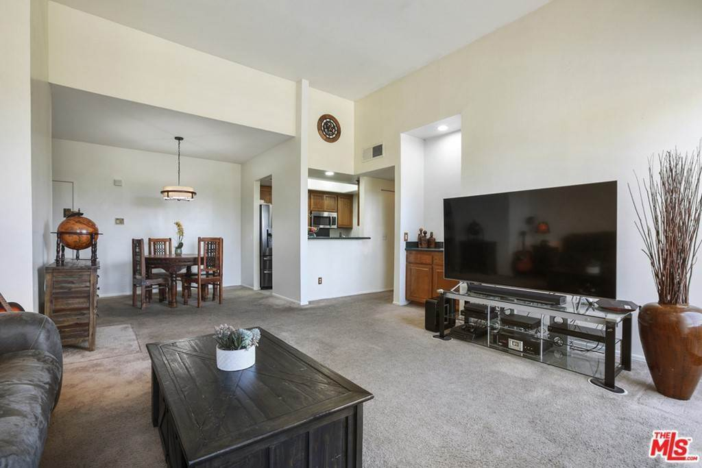 Residential for Sale at 13920 Moorpark Street 307 Sherman Oaks, California 91423 United States